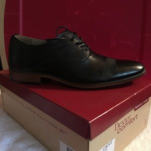 Gorgeous black dress shoes 👞 NWT  simply New